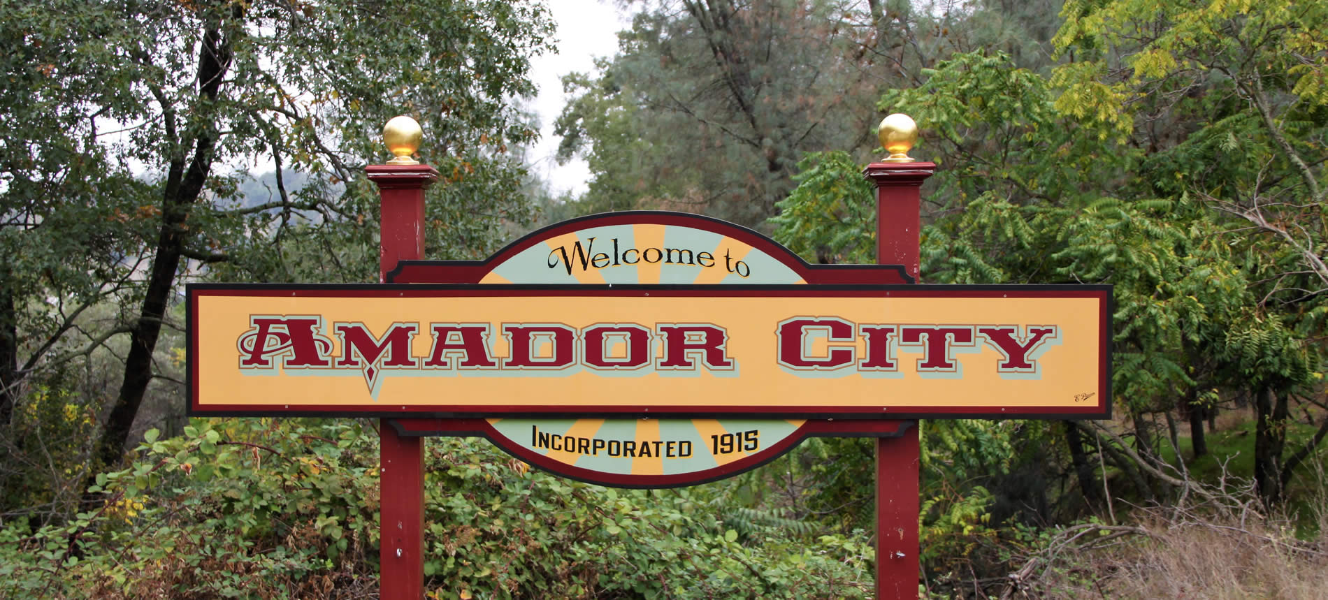 amador city california gold country sign